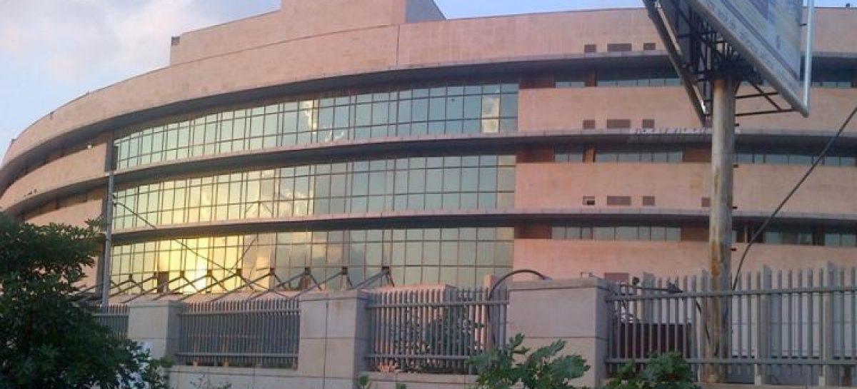ईएसआईसी मेडिकल कॉलेज अस्पताल में कैंसर मरीज़ों के साथ-साथ डॉक्टरों की भी हालत खराब