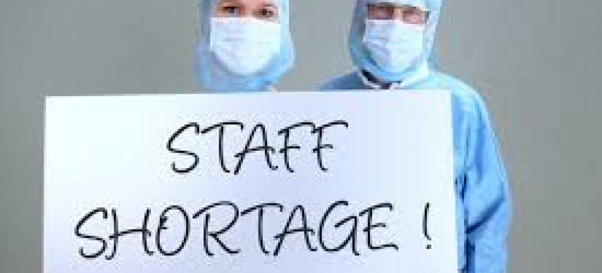 डाक्टरों की जरूरत समाप्त करने के लिये निगम ने वहां के मेडिकल कॉलेज को बर्बाद करने की ठान रखी है। अपने इसी मंसूबे के तहत इन डॉक्टरों को यहां भेजा गया है।