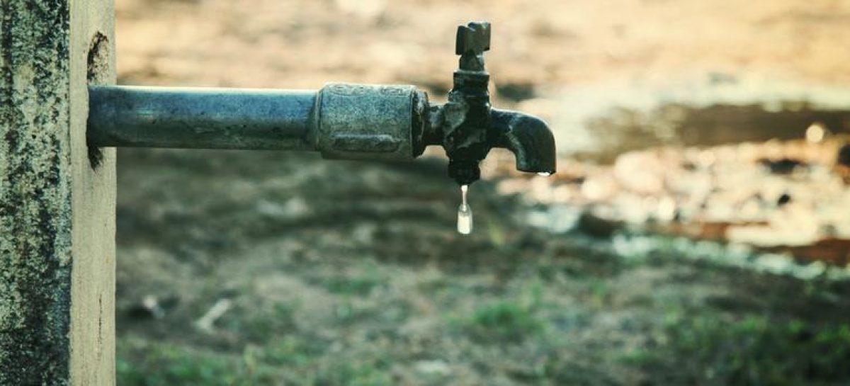 कौन पी रहा है सेक्टर 55 का पानी, बिन पानी गुजर रहे हैं त्यौहार